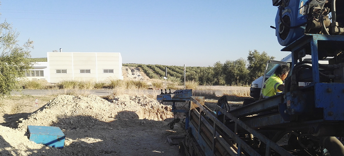 Abastecimiento de agua al nuevo polígono de Badolatosa (Sevilla)