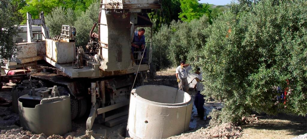 Perforación horizontal dirigida. Obras en el río Genil por el equipo de Persohinca.